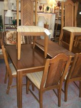 Table W/ 6 Chairs in Cherry Point, North Carolina
