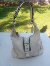 Coach purse like brand new save $$$ in Bolingbrook, Illinois