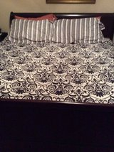 ***Like New KING Size Complete Bed in a Bag*** in Kingwood, Texas
