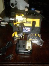 BRAND NEW NEVER USED DEWALT 20V DRILL COMES WITH 2 BATTERY AND CHARGER  $100 in Warner Robins, Georgia