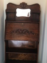 Beautiful Antique DesK in Glendale Heights, Illinois