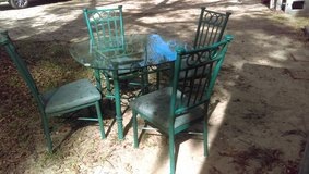Dining Table w/4 chairs in Beaufort, South Carolina