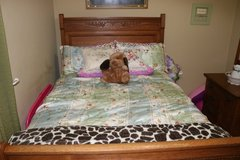 Bedroom Set Full / Double in Camp Lejeune, North Carolina