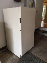 Kenmore upright freezer in Glendale Heights, Illinois