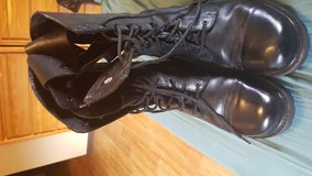 Black boots size 12 in Tinley Park, Illinois