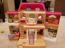 Fisher Price Loving Family Dollhouse in Bartlett, Illinois