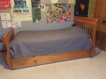 Twin bed+trundle in Joliet, Illinois