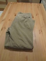 Abercrombie & Fitch Khaki pants - Teen / Mens in Glendale Heights, Illinois