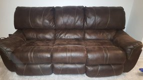 Leather Sofa and Love Seat (recliners) in Stuttgart, GE