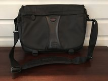 Men's Tumi Messenger / Work Bag in Glendale Heights, Illinois