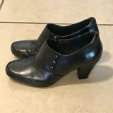 Clark's Artisan Women's Black Ankle Boots w/Heel Size 8 1/2 Like New in Vacaville, California