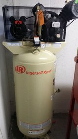Compressor, 80 Gallon Upright, 5HP, Dual Piston - Ingersoll Rand in Wiesbaden, GE