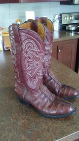 mens hand crafted cowboy boots in Pasadena, Texas