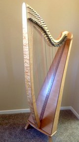 Beautiful 36 string professional Thormahlen Swan Maple Lever Harp in Oceanside, California