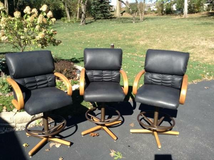 3 chromecraft swivel barstools in Naperville, Illinois