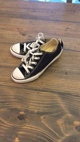 Boys size 2 converse worn 1x excellent new condition in Leesville, Louisiana