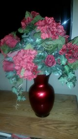 Large Hydrangea & Red Rose Bouquet Floral Arrangement in Glass Vase in Fort Leonard Wood, Missouri