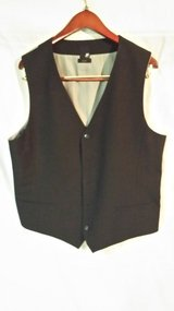 J. Ferrar - Vest - Large in Batavia, Illinois