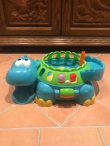 Fisher Price Poppity-Pop Musical Dino in Wiesbaden, GE