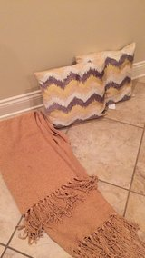 Pillow set and matching throw $15all in Fort Polk, Louisiana