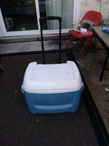 Cooler w/ Wheels & Adjustable Handle in Bolling AFB, DC