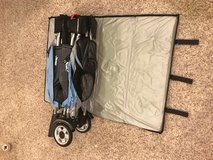 Jeep 2 sahara deluxe pack n play with bassinet/ changing table/ sun visor in Batavia, Illinois