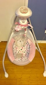 Fisher Price Baby Girl Swing in Leesville, Louisiana