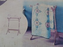 Vintage Country style  Quilt Rack Stand Medium Oak Finish Brand New in Box in Alamogordo, New Mexico