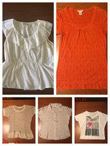 Five womens size large tops in Byron, Georgia