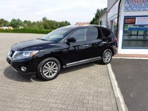Nissan Pathfinder SL 3k Below Book 7 Seats Leather Back up camera Low mi... in Ramstein, Germany