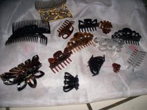 LARGE ASSORTMENTOF HAIR CLIPS in Travis AFB, California