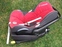 Maxi Cosi Easy Fix Base for Cabrio Fix Seat - 0/1yr Infant Seat and Infant Insert Included in Stuttgart, GE