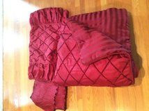 King comforter, bed skirt and 2 pillow shams in Naperville, Illinois