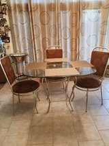 modern kitchen table and 4 chairs in Joliet, Illinois