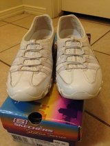 Women's sneakers size 8.5 in Belleville, Illinois