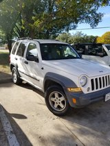 Jeep liberty 2006 in Arlington, Texas
