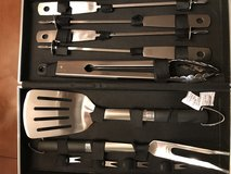 Bobby flay stainless steel 11 piece set with case in Leesville, Louisiana