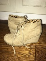 Girl shoes size 2-2 1/2 in Leesville, Louisiana