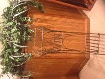 Plant stand in Glendale Heights, Illinois