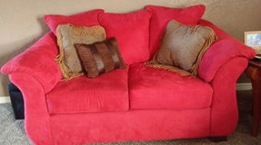 Like new couch and loveseat in Duncan, Oklahoma