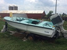 Crosby Runabout Boat in Fort Campbell, Kentucky