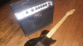 Peavey vypr1 amp with davidson 6 string in Fort Polk, Louisiana