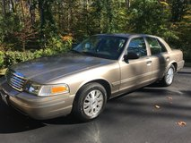 Excellent Condition 2004 Ford Crown Victoria LX w/ Premium Additions in Fort Belvoir, Virginia