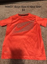 NWOT Boys Size 6 Nike T-Shirt in Naperville, Illinois