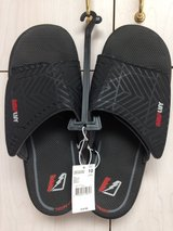 NWT Size 10 slippers in 29 Palms, California
