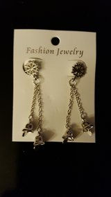 NEW PIERCED CHRISTMAS EARRINGS in Bartlett, Illinois