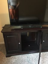 TV stand and TV 43' 1080p in Kingwood, Texas