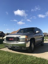 2003 GMC YUKON in Pleasant View, Tennessee