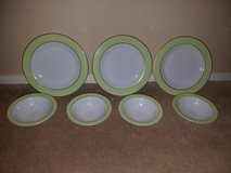 Pyrex plates and bowls in Nellis AFB, Nevada