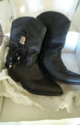 Ladies Leather Boots in Cherry Point, North Carolina